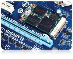 00F0000004301474-photo-ssd-msata-sur-une-carte-m-re-gigabyte.jpg