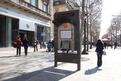 0190000003091976-photo-cabine-multim-dia-d-orange-sur-les-champs-elys-es.jpg