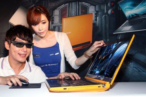01E0000005353174-photo-samsung-notebook-series-7-gamer-3d.jpg