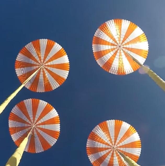 Parachutes SpaceX