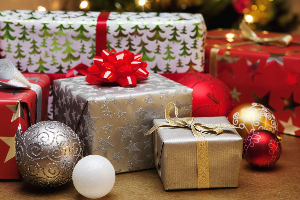 Noël : près de 6 Français sur 10 prêts à revendre leurs cadeaux