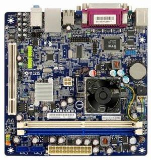 012C000002696352-photo-carte-m-re-mini-itx-foxconn-d51s.jpg