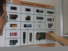000000B400098973-photo-idf-2004-express-card-2.jpg