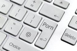 00FA000006130174-photo-accro-aux-pornos-il-attaque-apple.jpg