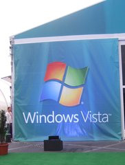 000000F000438832-photo-microsoft-windows-vista-booth-ces-07-1.jpg
