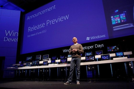 0230000005123394-photo-sinofsky-annonce-la-release-preview-de-windows-8.jpg