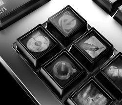00fa000000407945-photo-optimus-monochrome.jpg