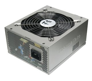 0140000002220650-photo-thermaltake-toughpower-80-plus-silver.jpg