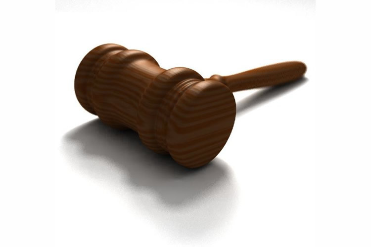 un  u00e9diteur de sites est condamn u00e9  u00e0 publier une d u00e9cision judiciaire sur twitter  m u00e0j