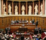 Loi contre les contenus haineux : le Sénat coupe la poire en deux et vote d'importantes modifications