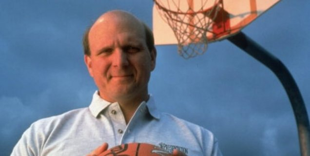 Steve Ballmer boute Apple hors des Clippers, son club de basketball
