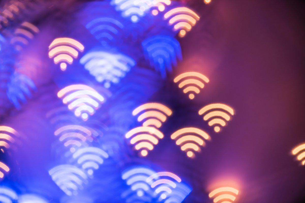 Fotolia Clubic  WiFi