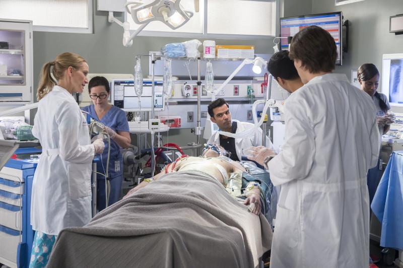 PHOTO saving hope, au-delà de la médecine - saving hope, au-delà de la médecine (saison 5) - a stranger comes to town 466063 7