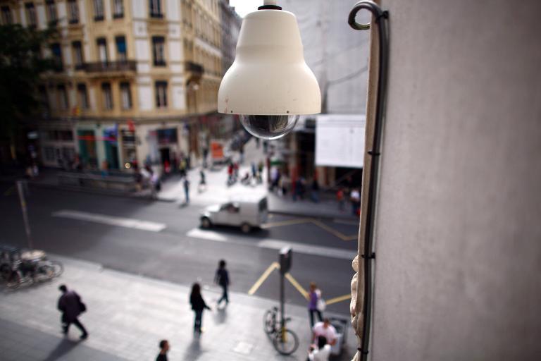 Une caméra de vidéosurveillance en ville