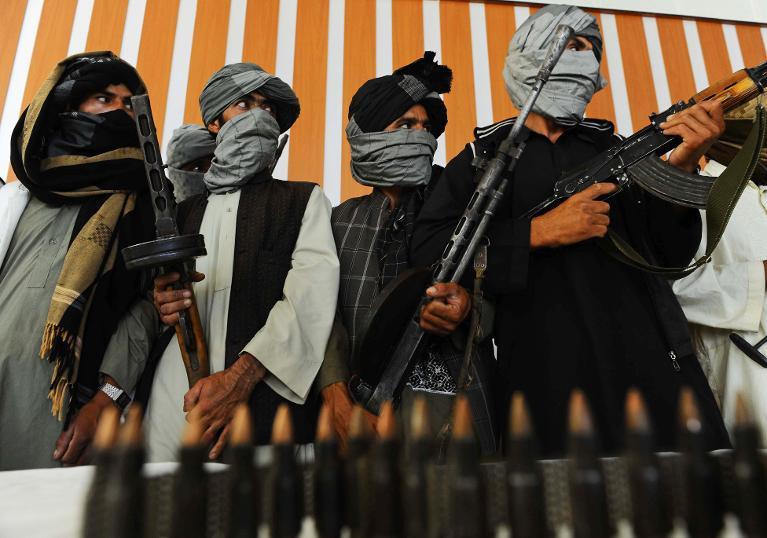 D'ex-talibans en armes à Herat en Afghanistan, le 7 août 2013 © AFP/Archives