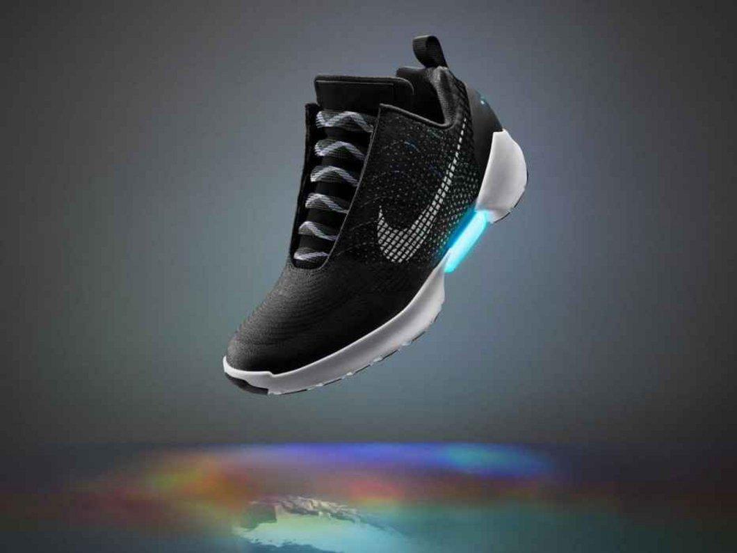 Les Nike autolaçantes : voici un prix et une date