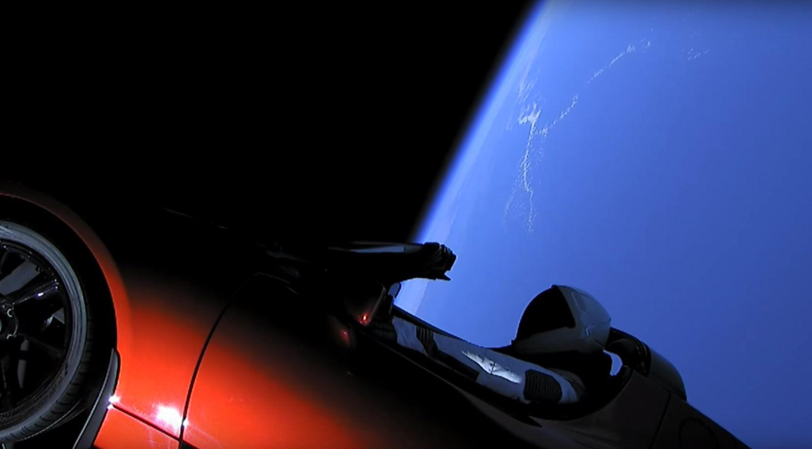 La Tesla Roadster et Starman ont dépassé l'orbite de Mars