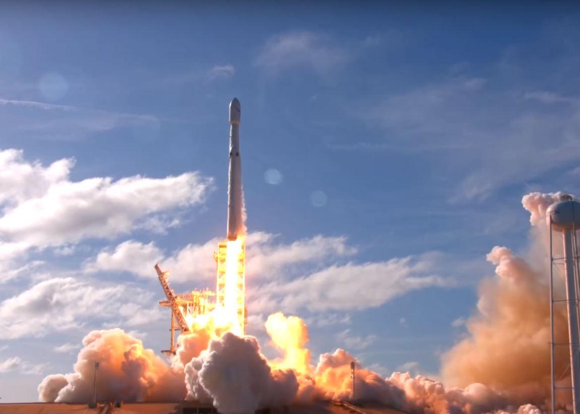 Spacex Falcon Heavy test Flight 3