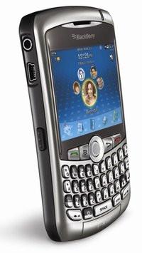 00C8000001903778-photo-t-l-phone-mobile-blackberry-curve-8900.jpg