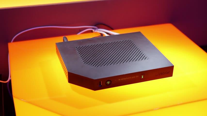 clubic__1__Orange-Livebox-Play-Modem-routeur__520897__424243_854x480_5.jpg