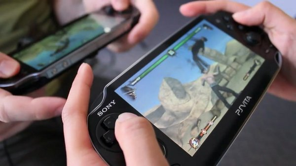 jeuxvideo__1__Gameplay-4-la-version-PS-Vita__167612__406294_854x480_5.jpg