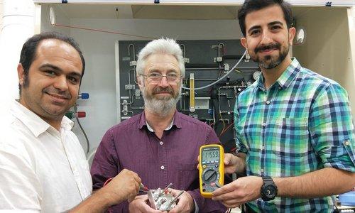 batterie proton eau carbone