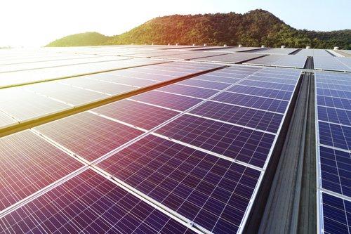 panneaux solaires fotolia
