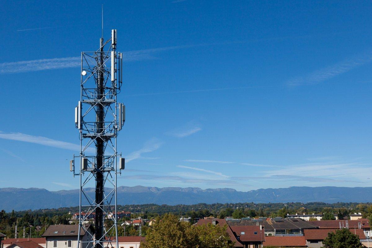 fotolia antenne mobile réseau portable