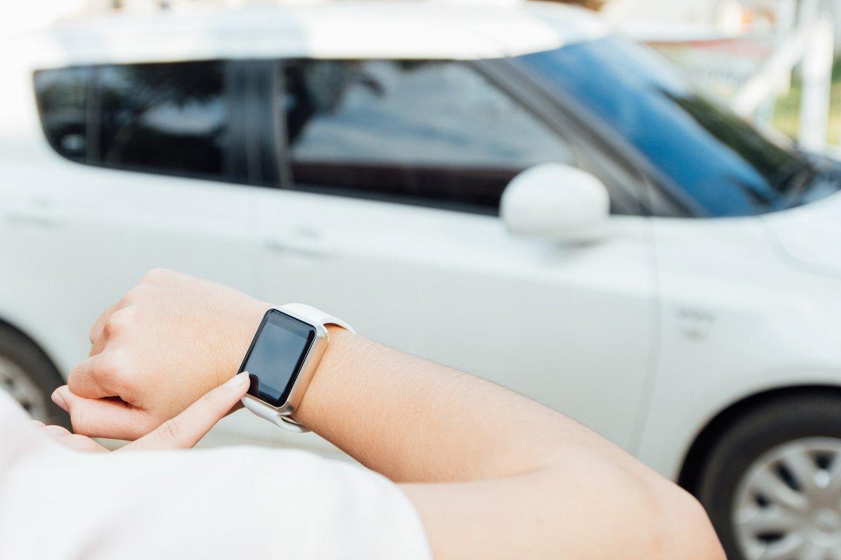 Fotolia montre connectée apple watch