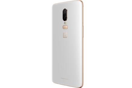 OnePlus 6 Silk White 128 GOMonobloc avec GPS avec écran tactile avec WiFi avec stabilisateur d'image Android 4G LTE Smartphone Double SIM avec APN 16 Mpixels avec APN 20 Mpixels 6 Go Bluetooth 5.0 8 Go Qualcomm Snapdragon 845 Octo-core 2,8 GHz OnePlus 6 6,28 pouces 128 Go Silk White