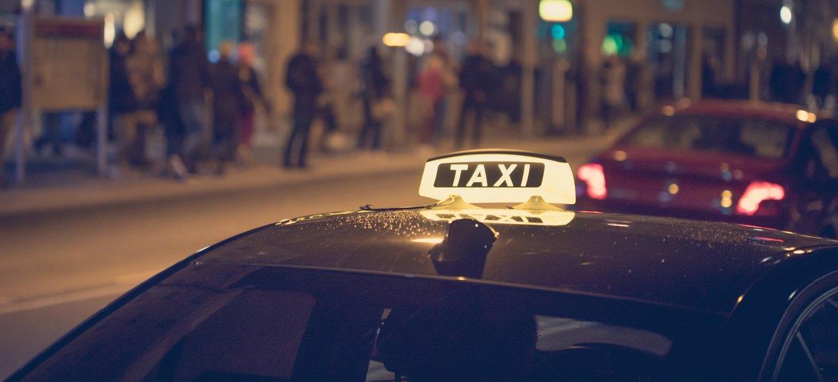 Fotolia Uber Taxi