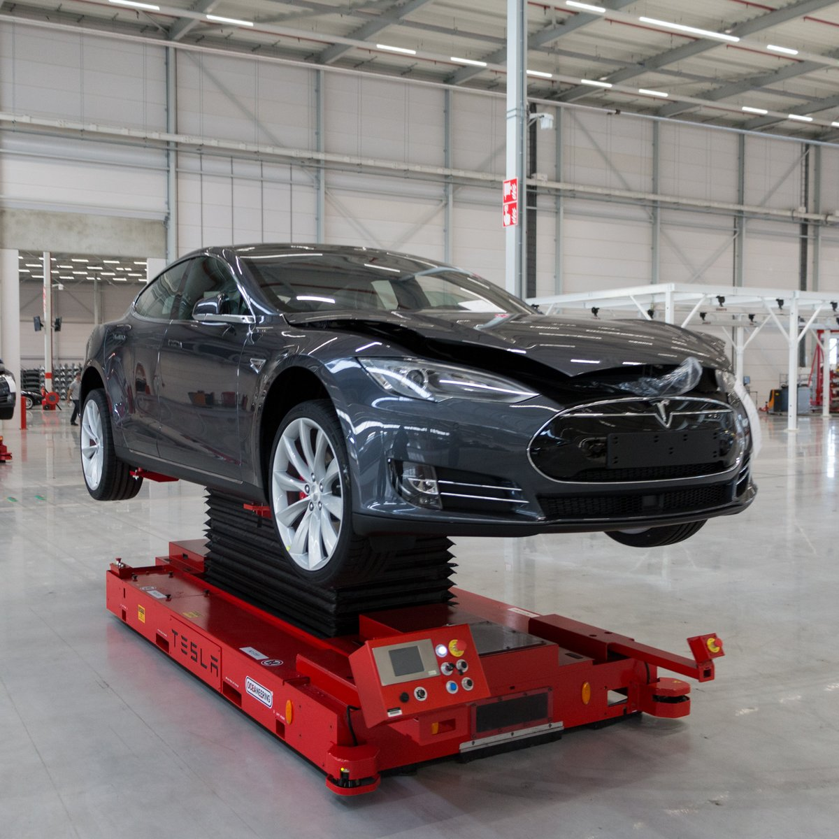 Visite de l\'usine Tesla à Tilburg_cropped_1920x1920