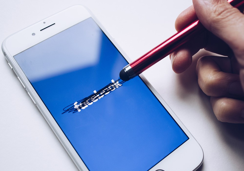 Facebook Unsplash
