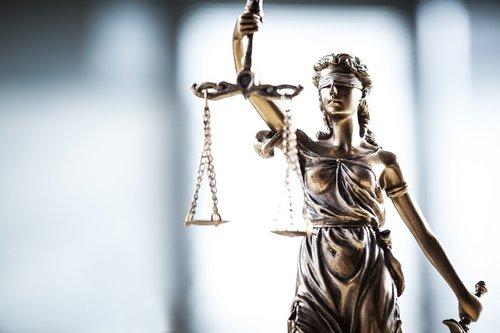 statue justice fotolia