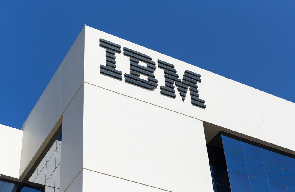 IBM © Laborant / Shutterstock.com