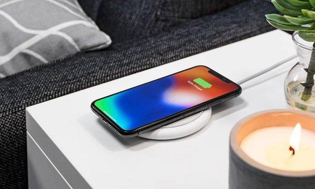 render : un iphone chargé à 100%