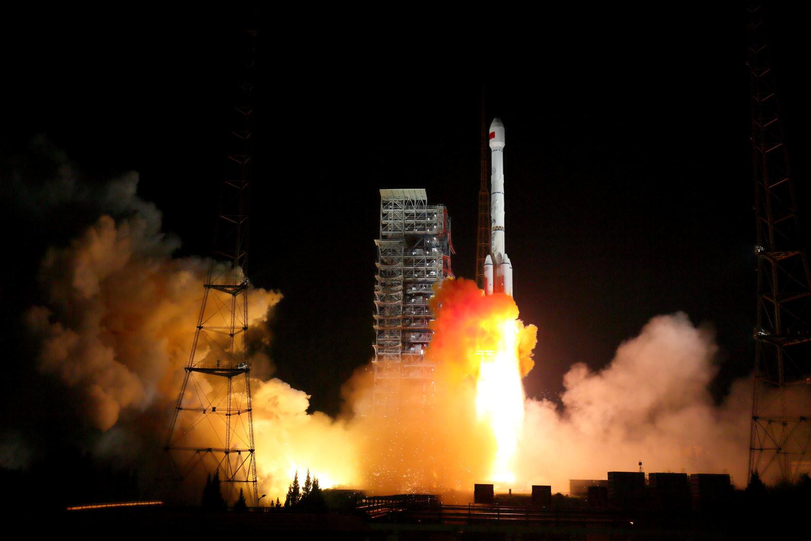 La Chine lance sa première fusée depuis la mer