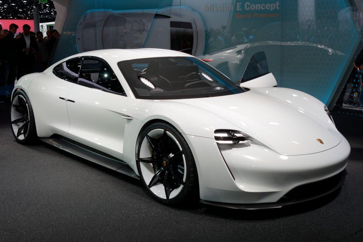 Porsche mission E - Taycan