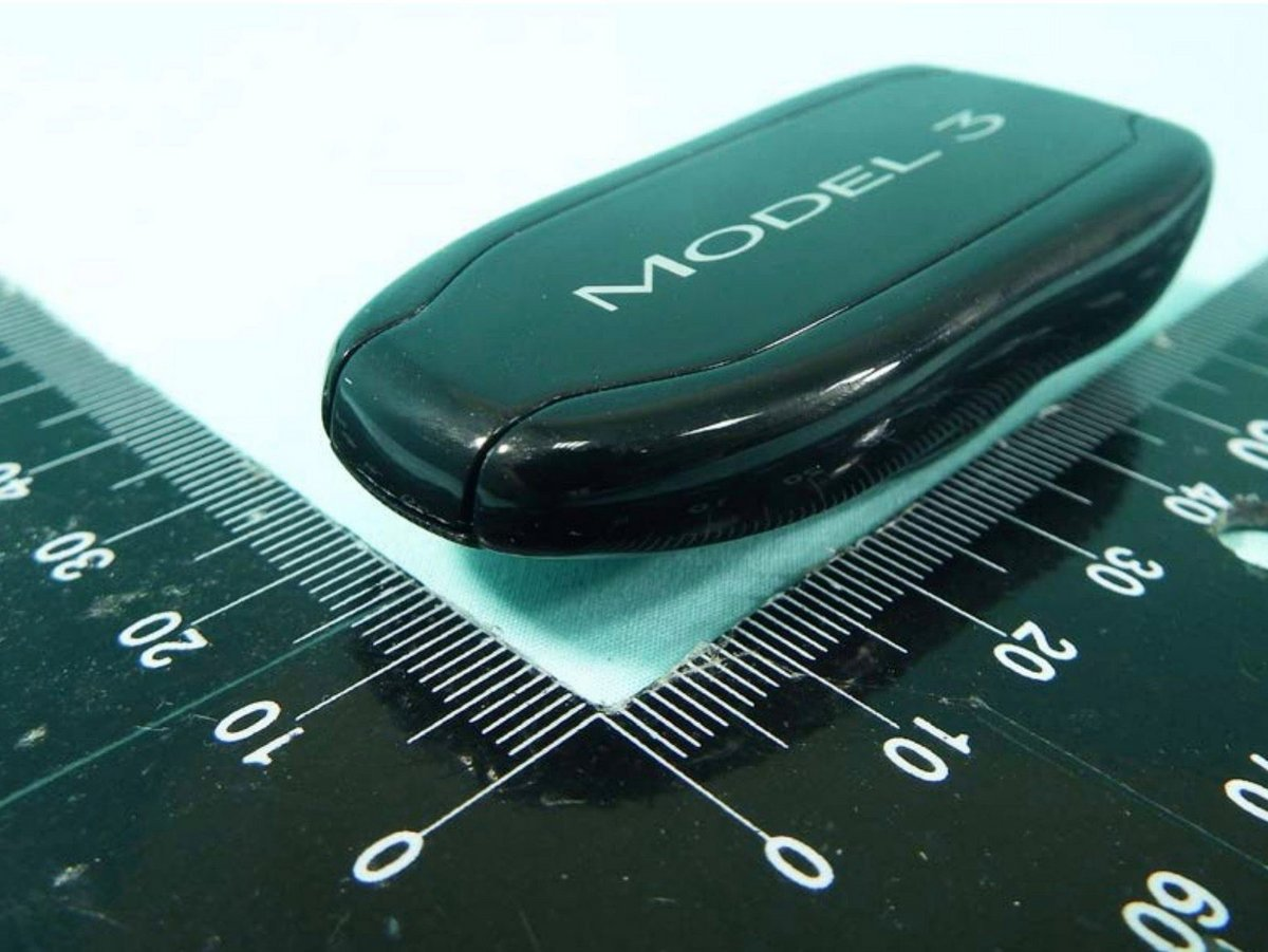 tesla-model-3-key