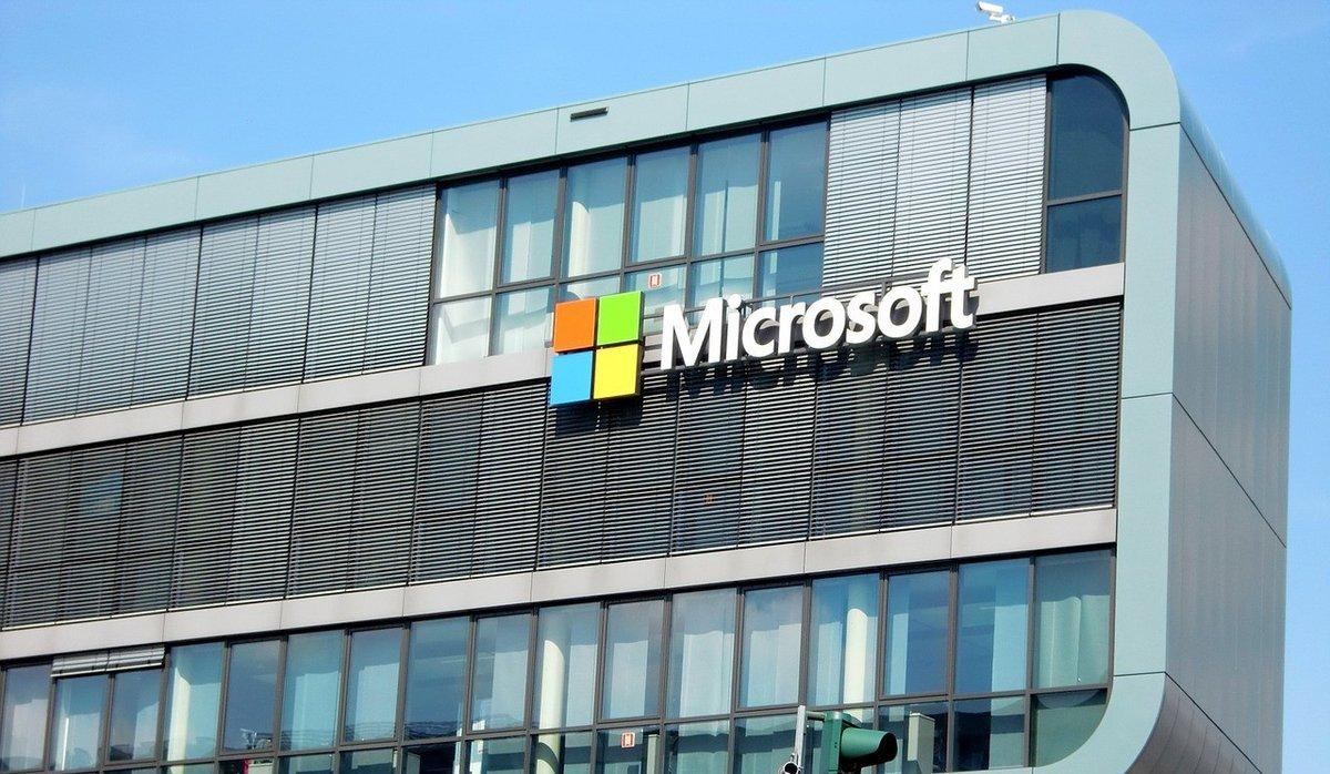 microsoft façade.jpg