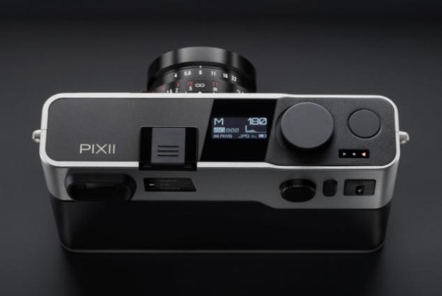 pixii camera_01