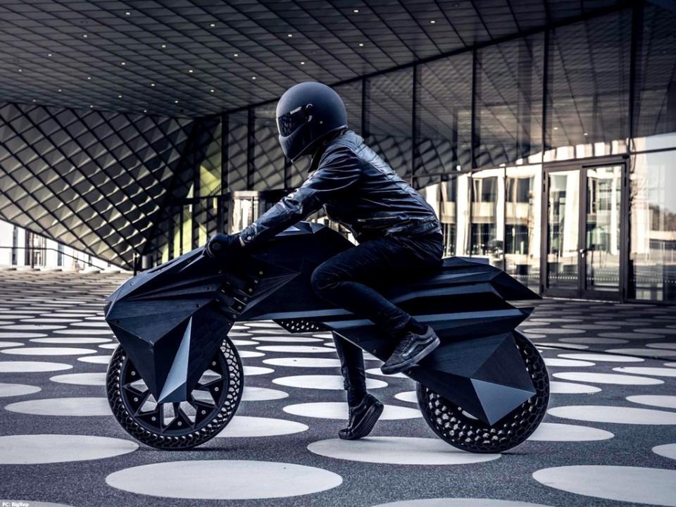 Nera moto électrique