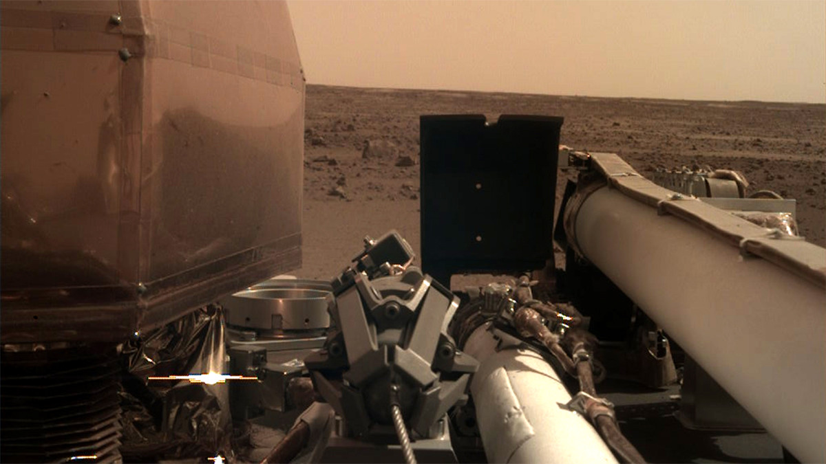 Après 8 mois d'activité ralentie, la thermosonde d'InSight reprend sa mission sur Mars