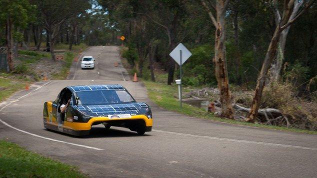 voiture électrique énergie solaire