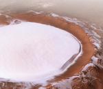 Mars Express dévoile une photo d'un cratère entièrement recouvert de glace