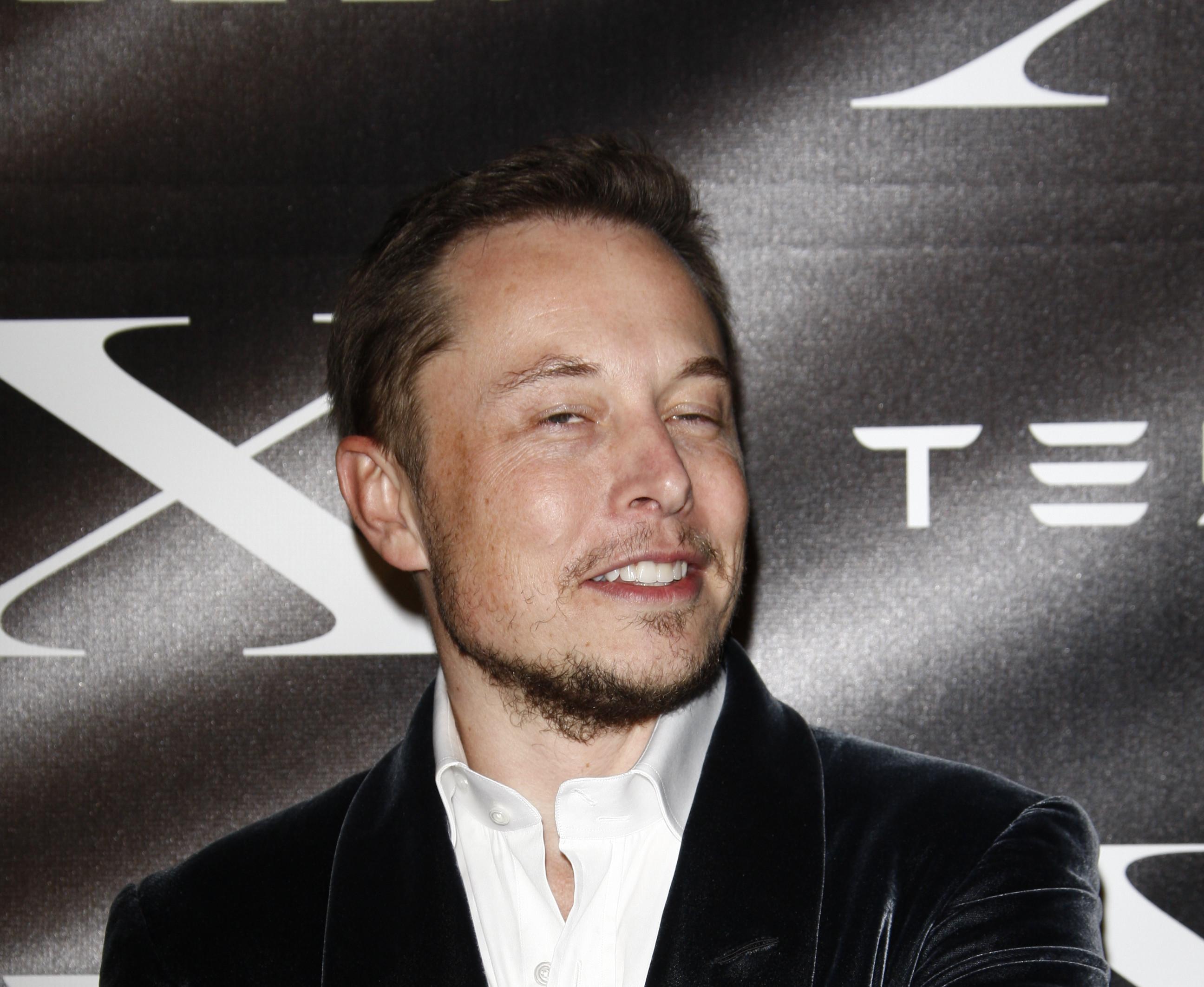 Pour Elon Musk, les entreprises travaillant sur l'IA doivent être régulées (y compris Tesla)