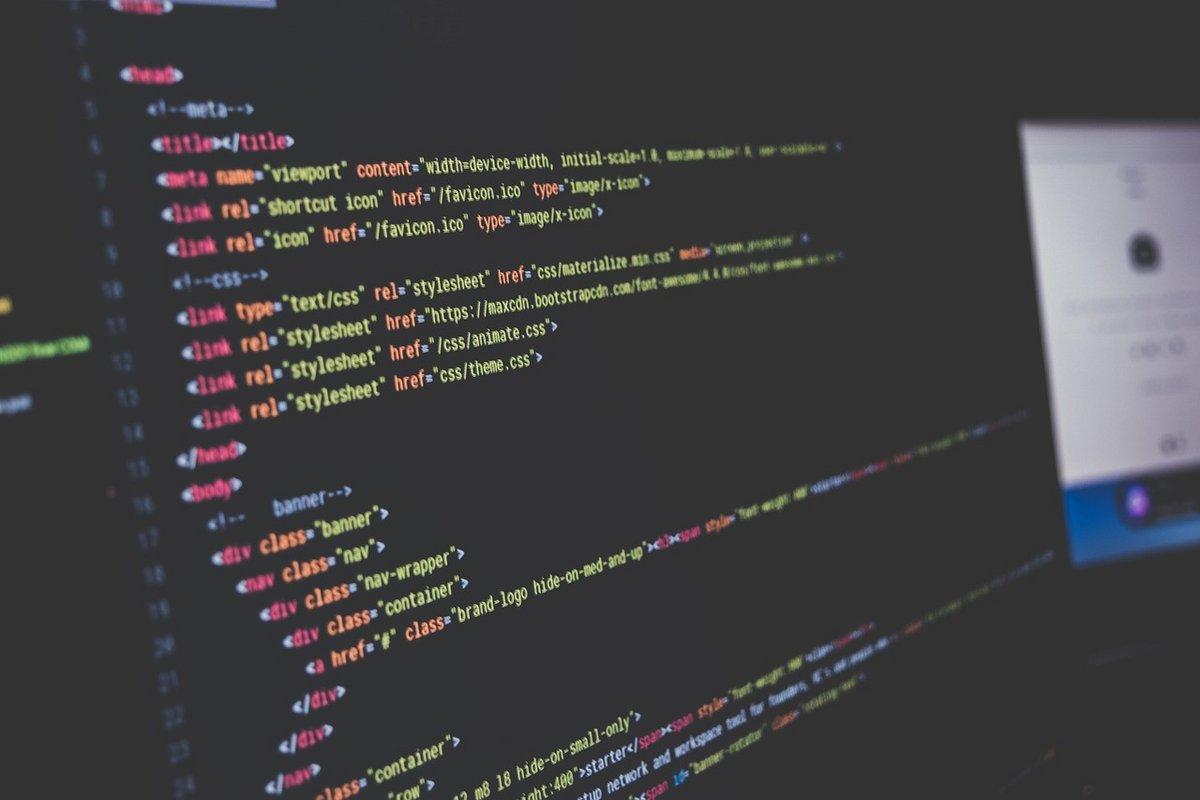 code-pixabay-développeur-informatique.jpg