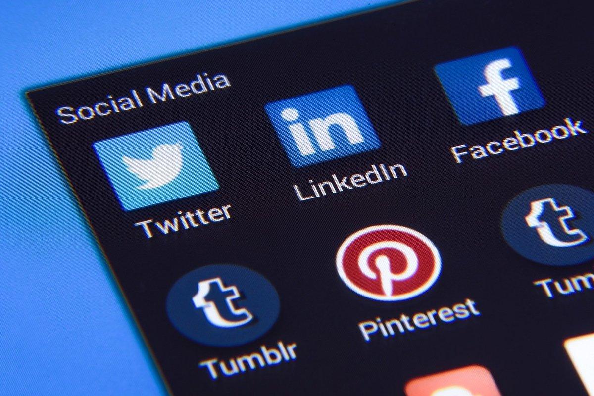 médias sociaux réseaux pixabay.jpg