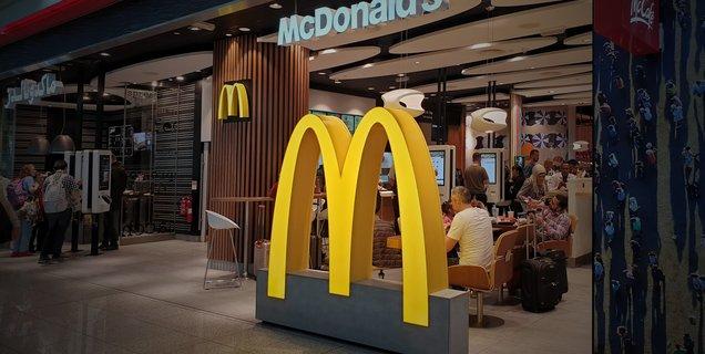 Zéro diesel, zéro plastique, tri des déchets : McDonald's veut se mettre au vert