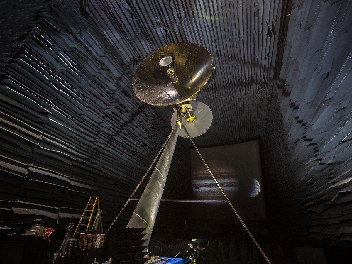 High-gain antenna (HGA) - Europa Clipper